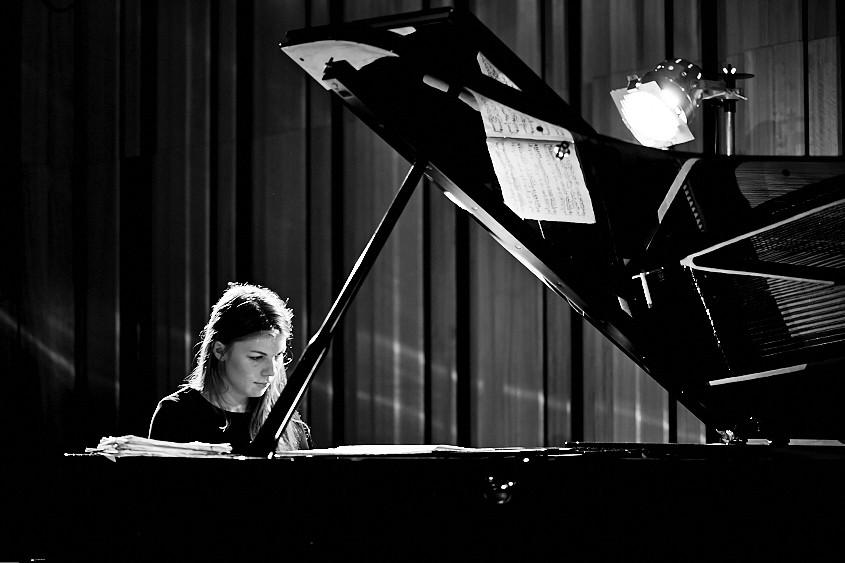 Elizaveta Frolova piano