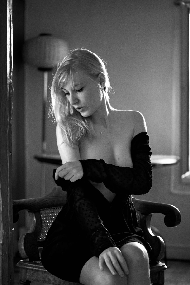 boudoir intimiste nude underwear strasbourg alsace blonde woman